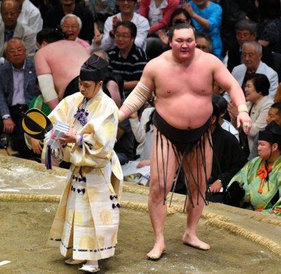 Hakuho remporte son 38ème titre