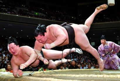 Hakuho et Harumafuji sont toujours invaincus