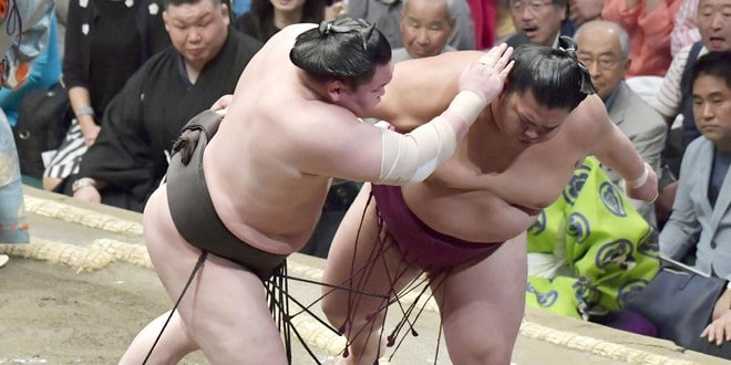 Hakuho contre Mitakeumi