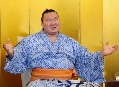 """Hakuho qualifie le tournoi de Nagoya comme """"inoubliable"""""""