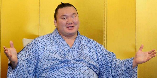 Hakuho qualifie le tournoi de Nagoya comme «inoubliable»