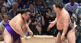 Hakuho contre Takakeisho