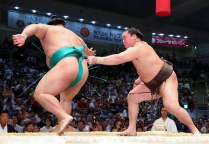 Hakuho confirme sa suprématie