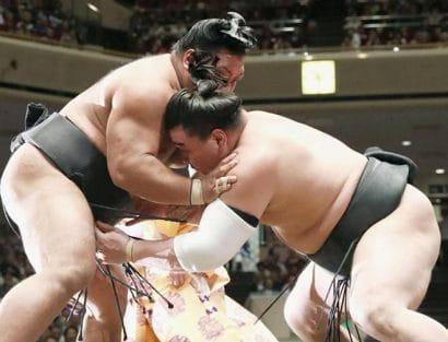 Goeido et Onosho restent en tête du tournoi