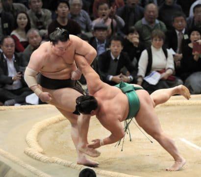Yoshikaze gagne, Hakuho proteste