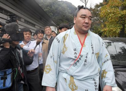 Une punition sévère requise envers Harumafuji
