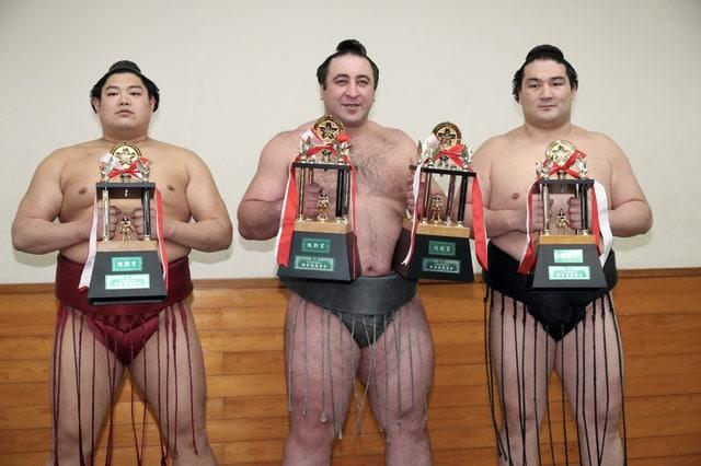 Abi, Tochinoshin et Ryuden