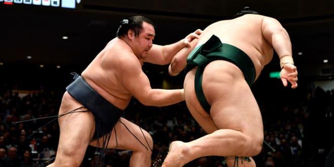 J10 – Le yokozuna maintient son invulnérabilité