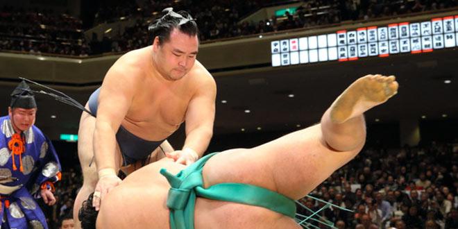 J3 – Première défaite pour Hakuho, Kakuryu reste invaincu