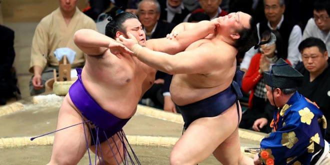 Takakeisho contre Kisenosato