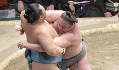 Tochinoshin prend la tête