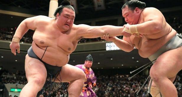 J2 – Kisenosato se ressaisit avec une première victoire