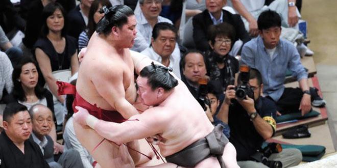 J5 – Hakuho mène la danse