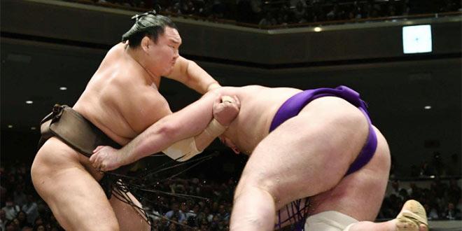 J12 – Hakuho se rapproche d'un 41e titre