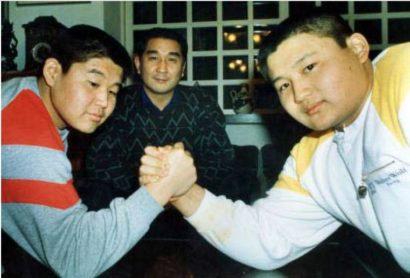La famille Hanada : Masura, Kenji et Koji
