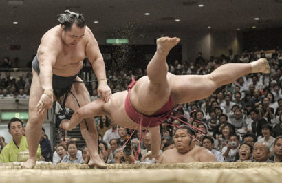 Kakuryu et Tochinoshin maintiennent leur égalité