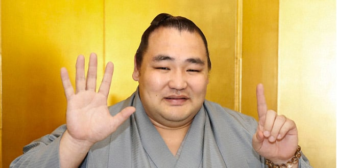 Kakuryu heureux de son sixième titre