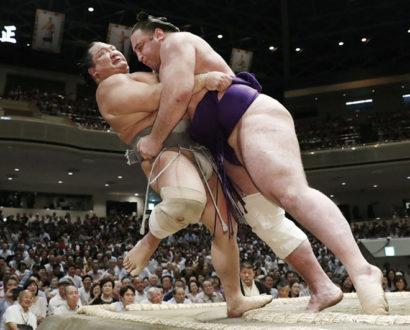 Tochinoshin contre Hokutofuji