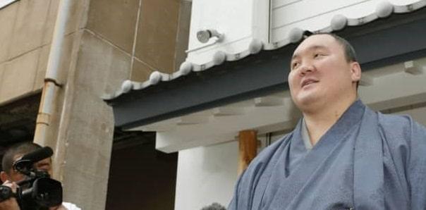 Le champion du sumô Hakuhô obtient la citoyenneté japonaise