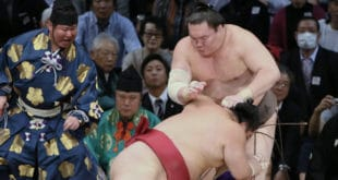 Hakuho vaincu par Daieisho