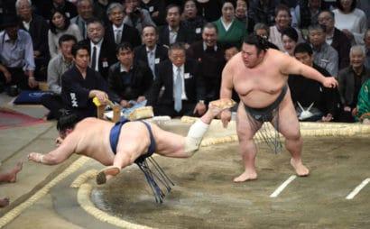 Takakeisho laisse passer Hokutofuji