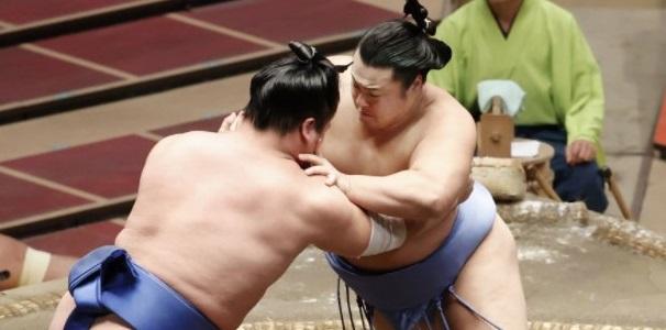 J12 – Restera-t-il un maegashira en tête à la fin du tournoi ?