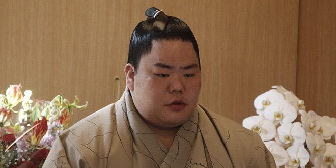Daieisho savoure sa victoire du tournoi