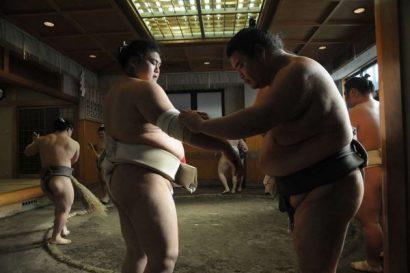 Les sumos de Ryogoku - les bandages | © Gilles Bordes-Pagès