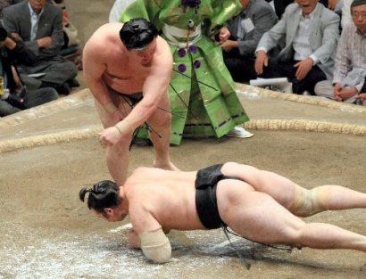 Hakuhô contre Kotoôshû