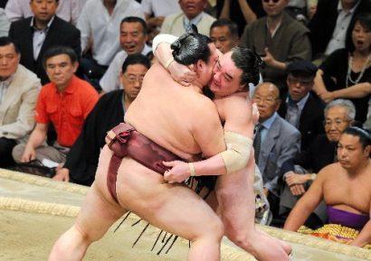 Kisenosato contre Harumafuji