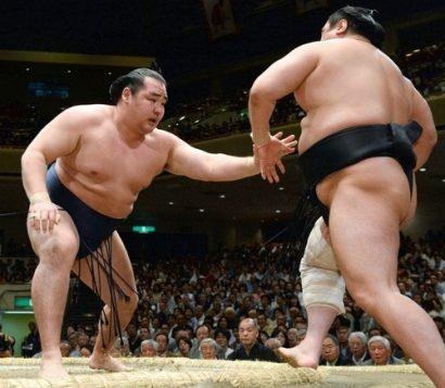 Kakuryu contre Aminishiki