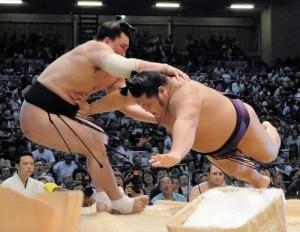 Harumafuji contre Chiyotairyu
