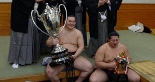 Hakuho et Endo