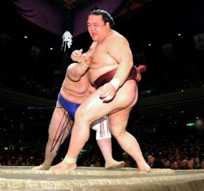 Pour Kisenosato le doute s'installe après sa défaite contre Aoiyama