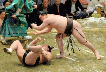 Hakuho remporte son 29ème yusho en battant en finale Harumafuji