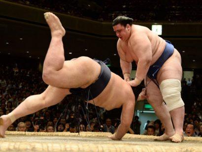 Kisenosato, première défaite contre Aoyama