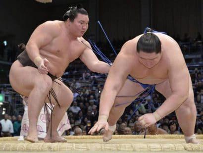 Hakuhô bat Ichinojo, Kakuryû reste premier du classement