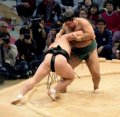Takayasu remporte un kinboshi contre Harumafuji