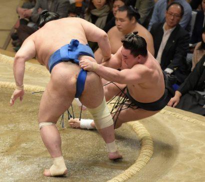 Jôkôryû contre Harumafuji