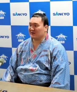 Hakuho en conférence de presse