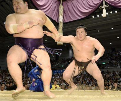 Hakuho contre Takekaze