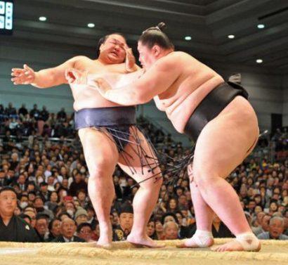 Journée noire pour les ôzeki, Ichinojo bat Kisenosato