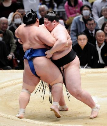 Ichinojo contre Kotoshogiku