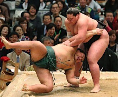 Terunofuji contre Takayasu