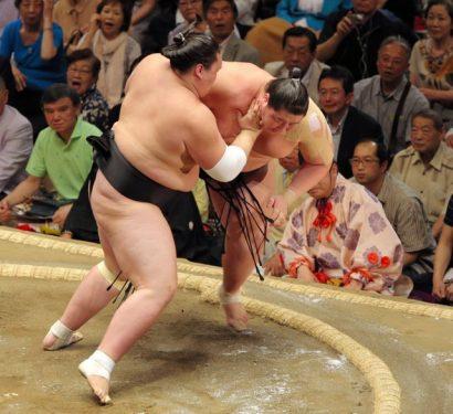 Terunofuji contre Ichinojo