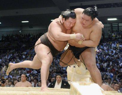 Hakuho se rapproche d'un nouveau titre