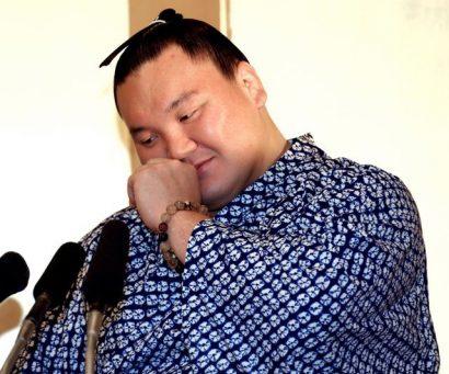Hakuho heureux de gagner pour Kyokutenho le jour de sa retraite