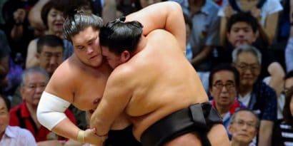 Terunofuji et Kagamio quittent le peloton suite à leur première défaite