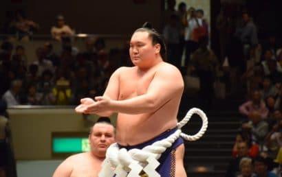 Nouveau record pour Hakuho avec 880 victoires en makuuchi