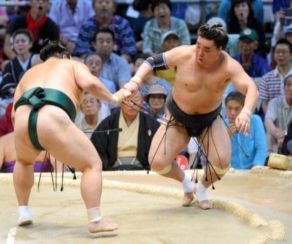 Première défaite pour Kakuryu et Harumafuji